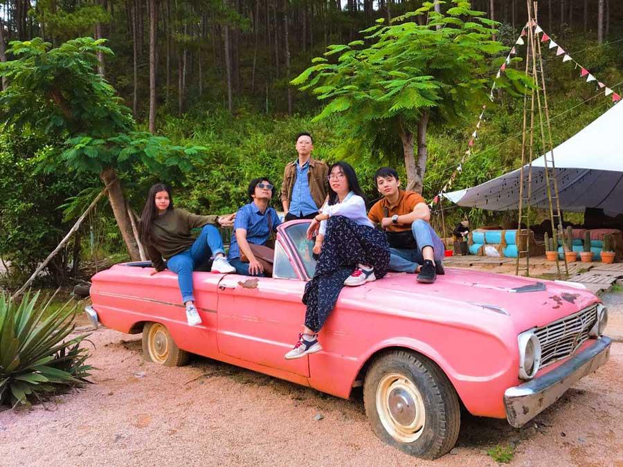 Đội ngũ nhân viên NEOHouse du lịch tại Đà Lạt. Ảnh 19