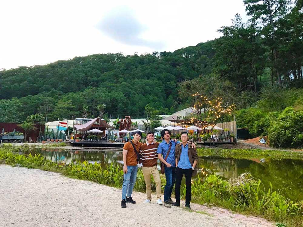 Đội ngũ nhân viên NEOHouse du lịch tại Đà Lạt. Ảnh 12