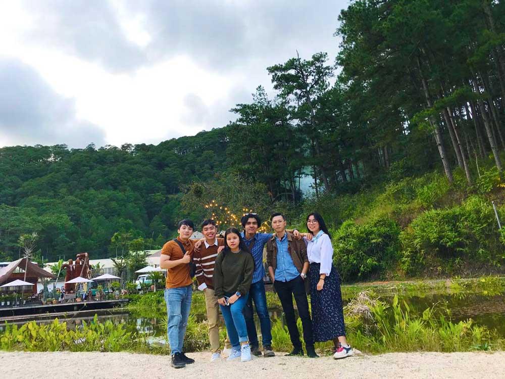 Đội ngũ nhân viên NEOHouse du lịch tại Đà Lạt. Ảnh 11