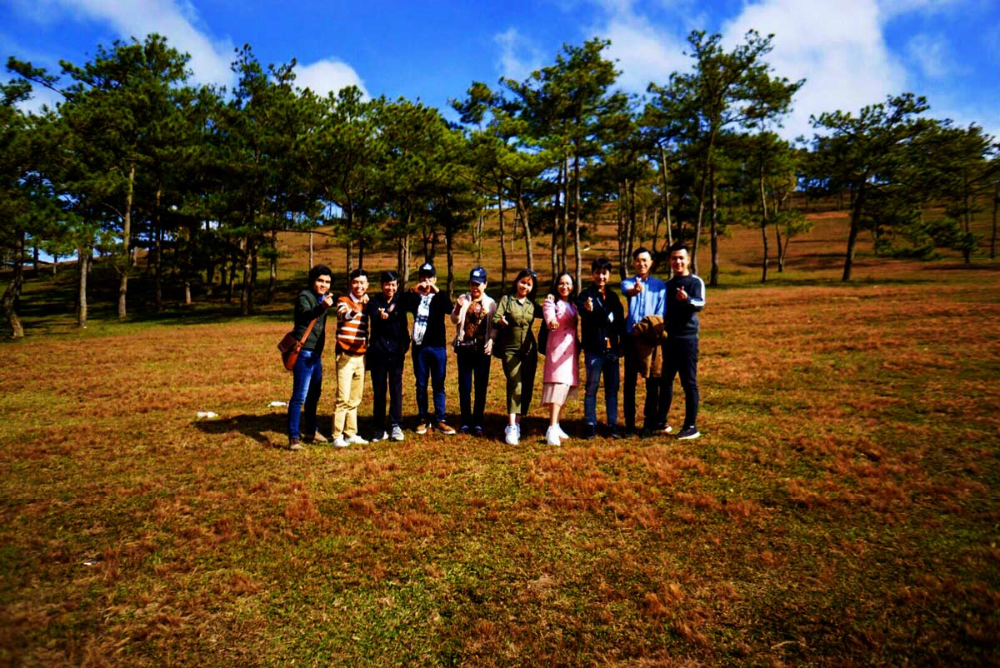Đội ngũ nhân viên NEOHouse du lịch tại Đà Lạt. Ảnh 9