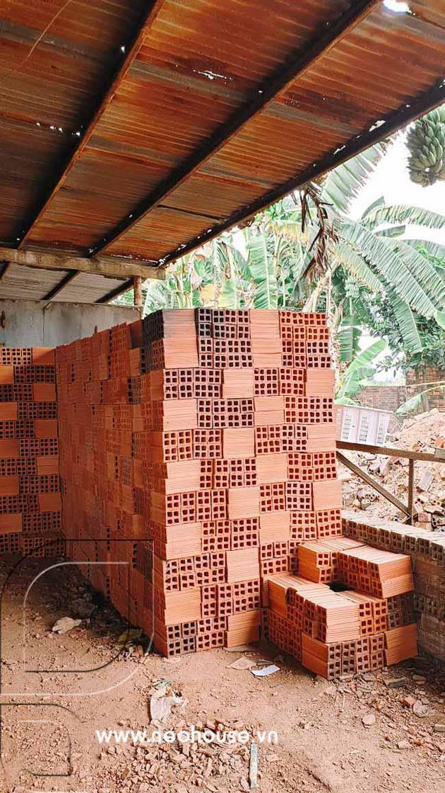 Hình ảnh vật liệu xây dựng mẫu nhà biệt thự 2 tầng mái thái. Ảnh 4