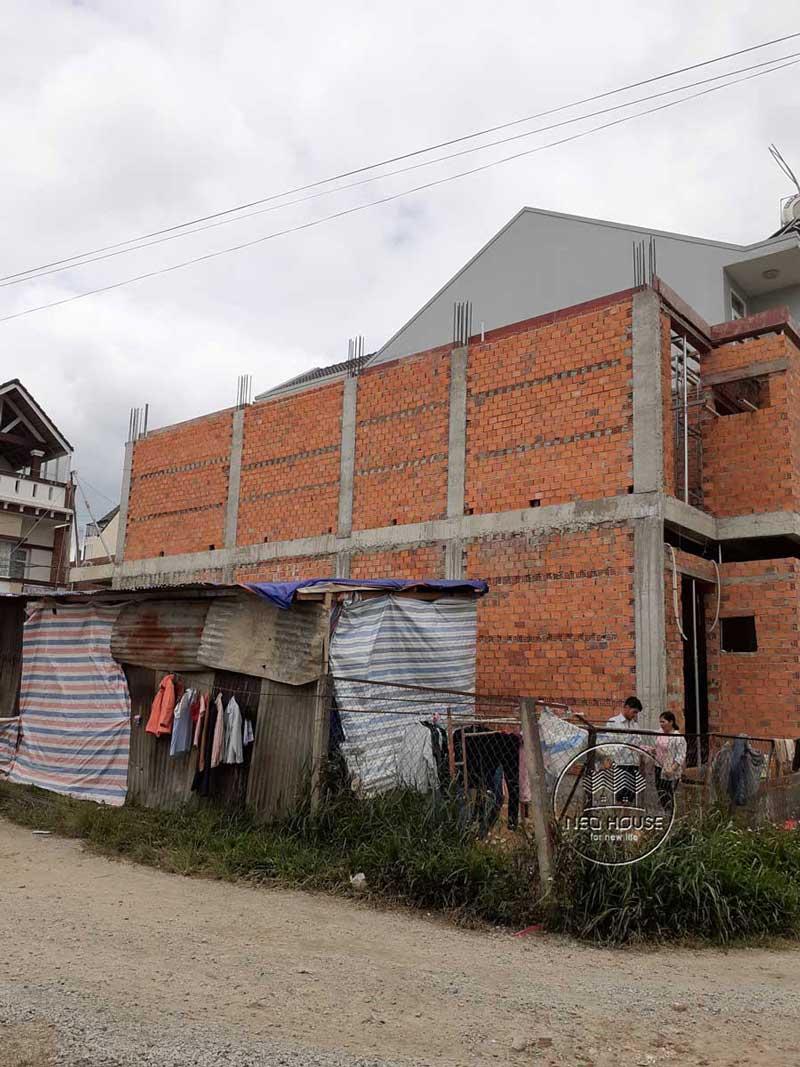 Thi công nhà phố trọn gói với công đoạn hoàn thiện phần thô. Ảnh 2