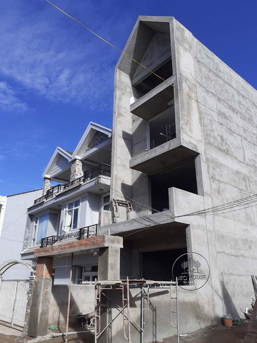 Thi công nhà phố trọn gói với công đoạn hoàn thiện phần thô. Ảnh 5