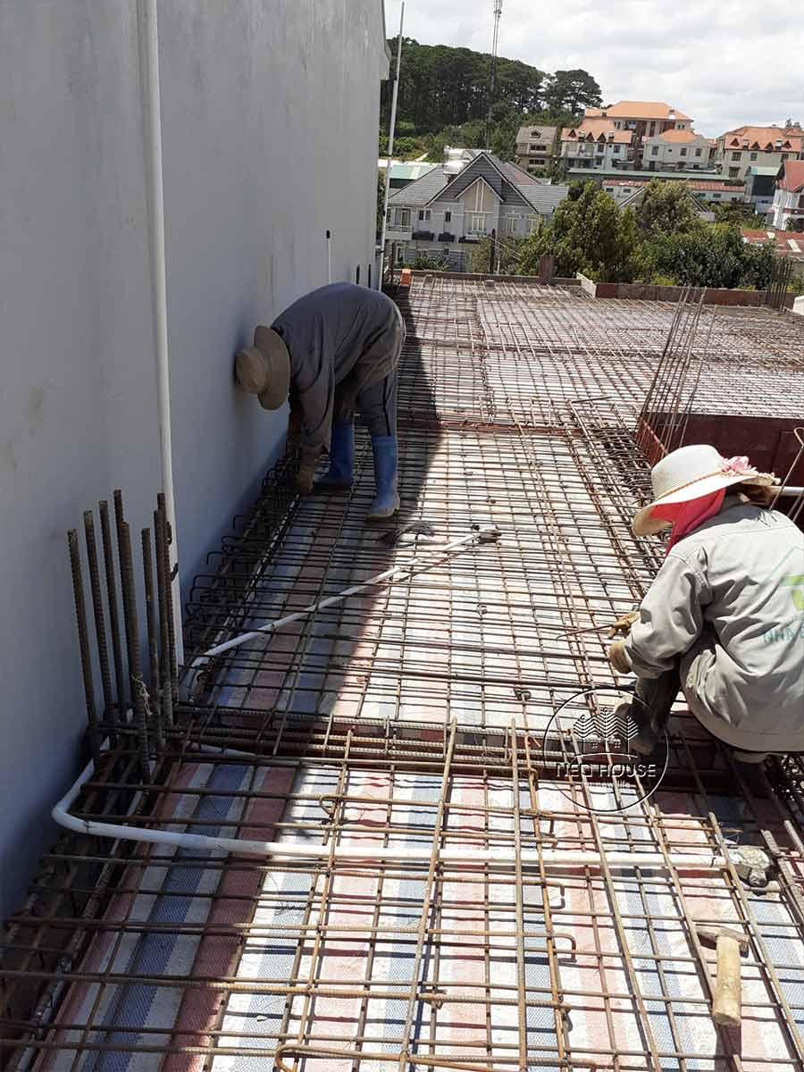 Thi công nhà phố trọn gói với công đoạn nền móng. Ảnh 4